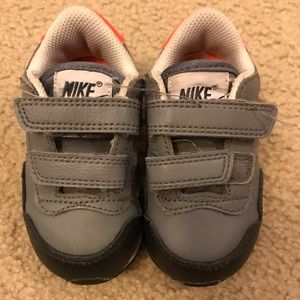 Nike Baby Boy Size 5 Gray and Orange Sneaker